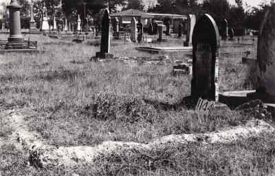 Historic picture of Makaraka cemetery, block MKF, plot 1144.