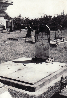 Historic picture of Makaraka cemetery, block MKF, plot 1153.