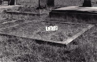 Historic picture of Makaraka cemetery, block MKF, plot 1302.