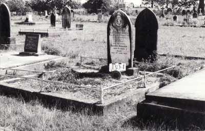 Historic picture of Makaraka cemetery, block MKF, plot 1304.