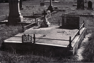 Historic picture of Makaraka cemetery, block MKF, plot 1313.