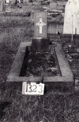 Historic picture of Makaraka cemetery, block MKF, plot 1323.