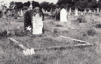 Historic picture of Makaraka cemetery, block MKF, plot 1332.
