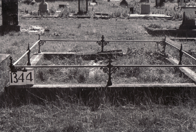 Historic picture of Makaraka cemetery, block MKF, plot 1344.