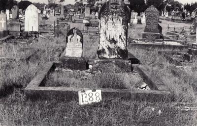 Historic picture of Makaraka cemetery, block MKF, plot 1388.