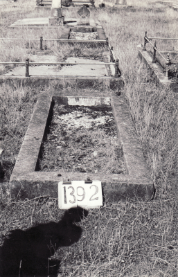 Historic picture of Makaraka cemetery, block MKF, plot 1392.