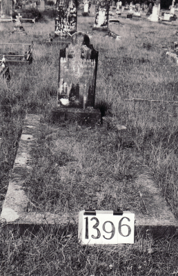 Historic picture of Makaraka cemetery, block MKF, plot 1396.