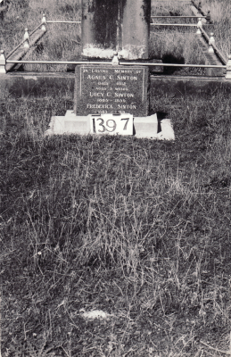 Historic picture of Makaraka cemetery, block MKF, plot 1397.