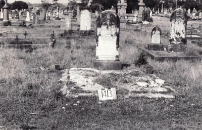 Historic picture of Makaraka cemetery, block MKF, plot 1413.