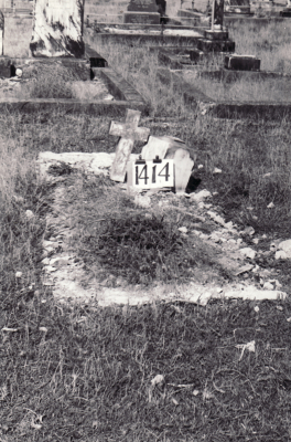 Historic picture of Makaraka cemetery, block MKF, plot 1414.