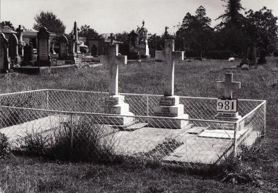 Historic picture of Makaraka cemetery, block MKF, plot 989.