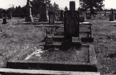 Historic picture of Makaraka cemetery, block MKF, plot 994.