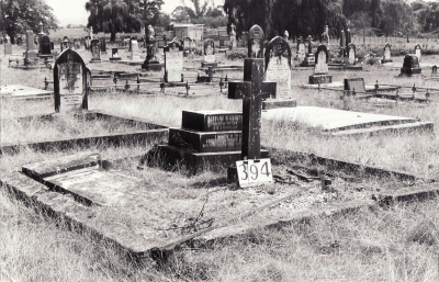 Historic picture of Makaraka cemetery, block MKG, plot 394.