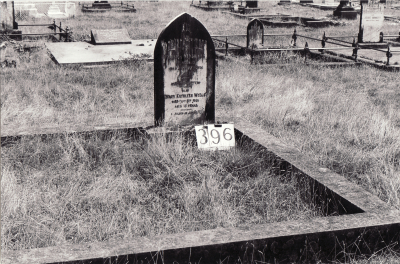 Historic picture of Makaraka cemetery, block MKG, plot 396.