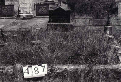 Historic picture of Makaraka cemetery, block MKG, plot 487.