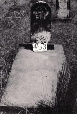 Historic picture of Makaraka cemetery, block MKG, plot 493.