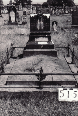 Historic picture of Makaraka cemetery, block MKG, plot 515.
