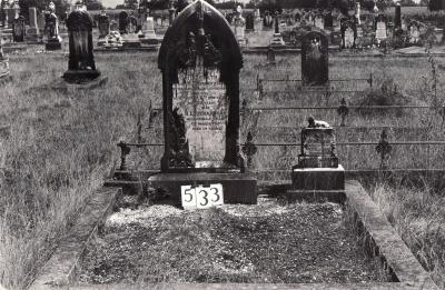 Historic picture of Makaraka cemetery, block MKG, plot 533.