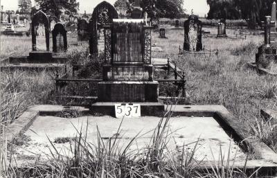 Historic picture of Makaraka cemetery, block MKG, plot 537.