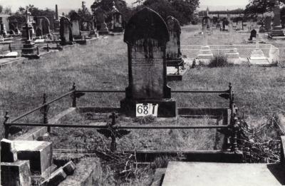 Historic picture of Makaraka cemetery, block MKG, plot 681.