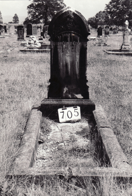 Historic picture of Makaraka cemetery, block MKG, plot 705.