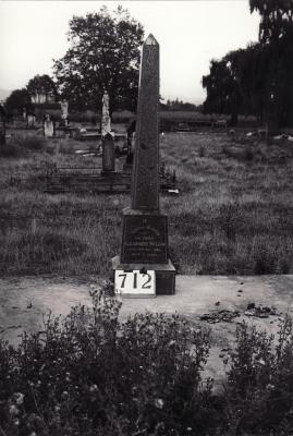 Historic picture of Makaraka cemetery, block MKG, plot 712.