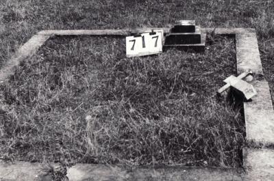 Historic picture of Makaraka cemetery, block MKG, plot 717.