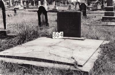 Historic picture of Makaraka cemetery, block MKG, plot 804.