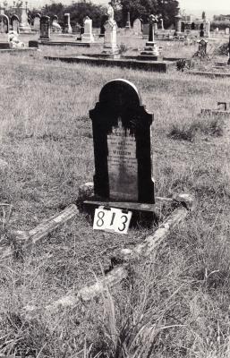 Historic picture of Makaraka cemetery, block MKG, plot 813.