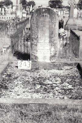 Historic picture of Makaraka cemetery, block MKH, plot 243.