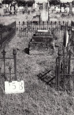 Historic picture of Makaraka cemetery, block MKH, plot 258.