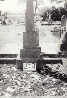 Historic picture of Makaraka cemetery, block MKH, plot 274.