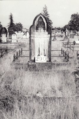 Historic picture of Makaraka cemetery, block MKH, plot 290.
