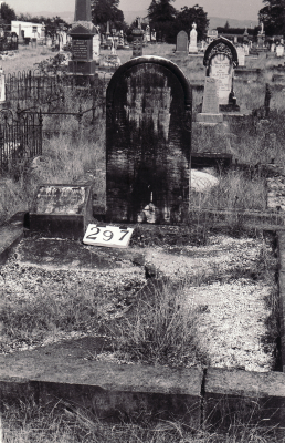 Historic picture of Makaraka cemetery, block MKH, plot 297.