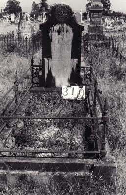 Historic picture of Makaraka cemetery, block MKH, plot 310.