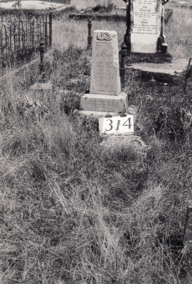 Historic picture of Makaraka cemetery, block MKH, plot 314B.