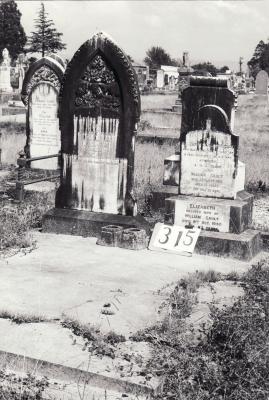 Historic picture of Makaraka cemetery, block MKH, plot 315.