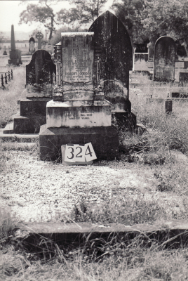 Historic picture of Makaraka cemetery, block MKH, plot 324.