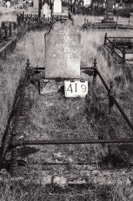 Historic picture of Makaraka cemetery, block MKH, plot 419.
