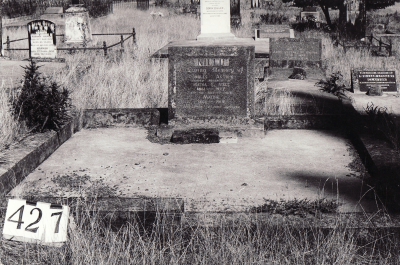 Historic picture of Makaraka cemetery, block MKH, plot 427.