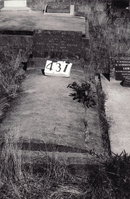 Historic picture of Makaraka cemetery, block MKH, plot 431.