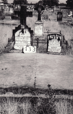 Historic picture of Makaraka cemetery, block MKH, plot 433.