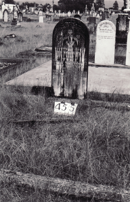 Historic picture of Makaraka cemetery, block MKH, plot 455.