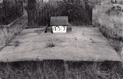 Historic picture of Makaraka cemetery, block MKH, plot 457.