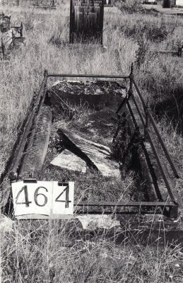 Historic picture of Makaraka cemetery, block MKH, plot 464.