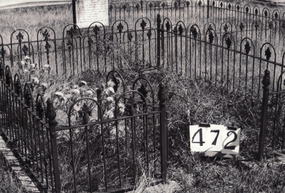 Historic picture of Makaraka cemetery, block MKH, plot 472.