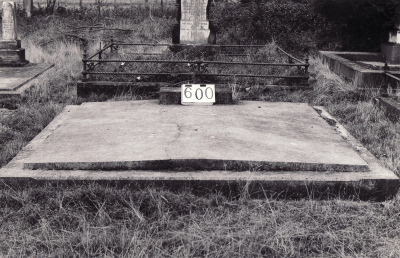 Historic picture of Makaraka cemetery, block MKI, plot 600.