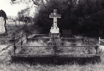 Historic picture of Makaraka cemetery, block MKI, plot 600A.