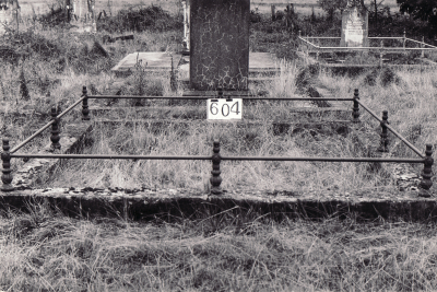 Historic picture of Makaraka cemetery, block MKI, plot 604.