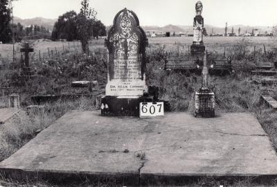 Historic picture of Makaraka cemetery, block MKI, plot 607.